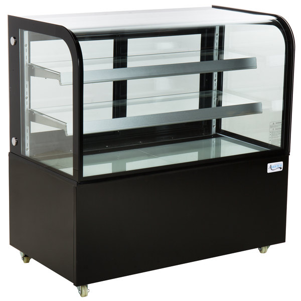 """Avantco BC-48-HC 48"""" Curved Glass Black Refrigerated Bakery Display Case"""